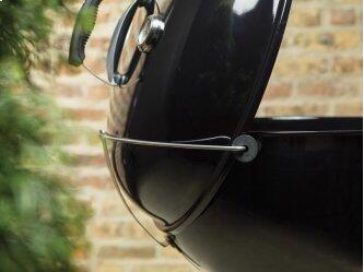 MASTER-TOUCH(R) CHARCOAL GRILL - 22 INCH BLACK
